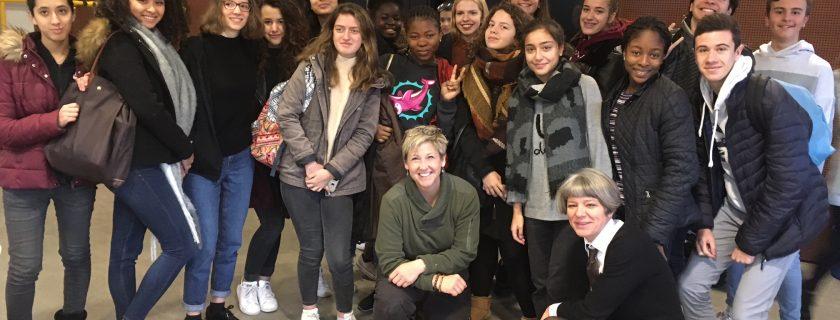 4 décembre 2017 : La section européenne en Seconde a accueilli Sarah Hillyer, fondatrice de l'association international Sport 4 Peace et membre du Programme mondiale de parrainage par le sport (GSMP) et l'attachée culturelle du Consulat américain